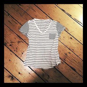 Gap cotton v-neck tee navy & white stripe pocket L